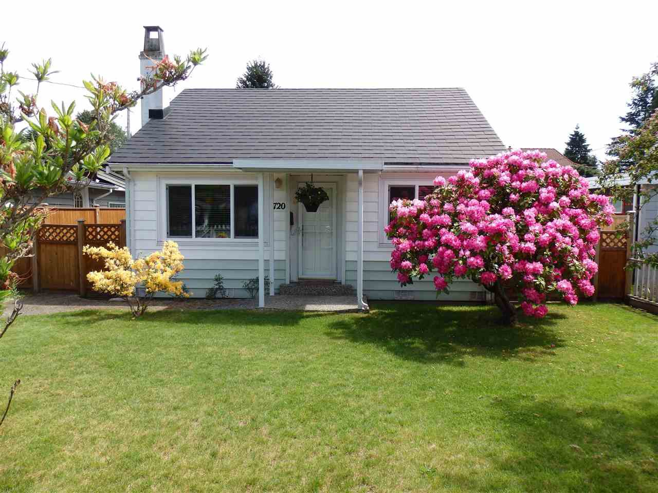 Main Photo: 1720 SUTHERLAND AVENUE in North Vancouver: Boulevard House for sale : MLS®# R2258185