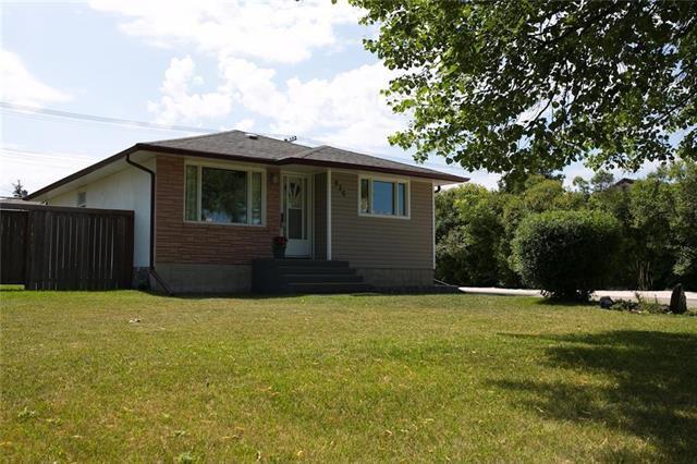 Main Photo: 936 Dugas Street in Winnipeg: Windsor Park Residential for sale (2G)  : MLS®# 1922217