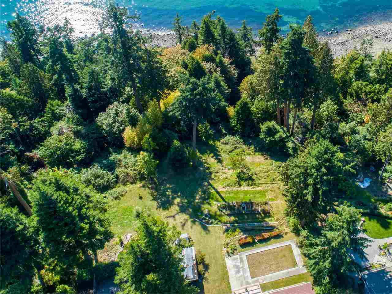 Photo 13: Photos: 8025 REDROOFFS Road in Halfmoon Bay: Halfmn Bay Secret Cv Redroofs House for sale (Sunshine Coast)  : MLS®# R2411755