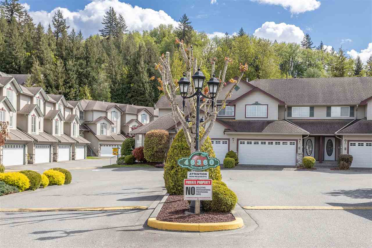 "Main Photo: 151 46360 VALLEYVIEW Road in Chilliwack: Promontory Townhouse for sale in ""Apple Creek"" (Sardis)  : MLS®# R2454419"