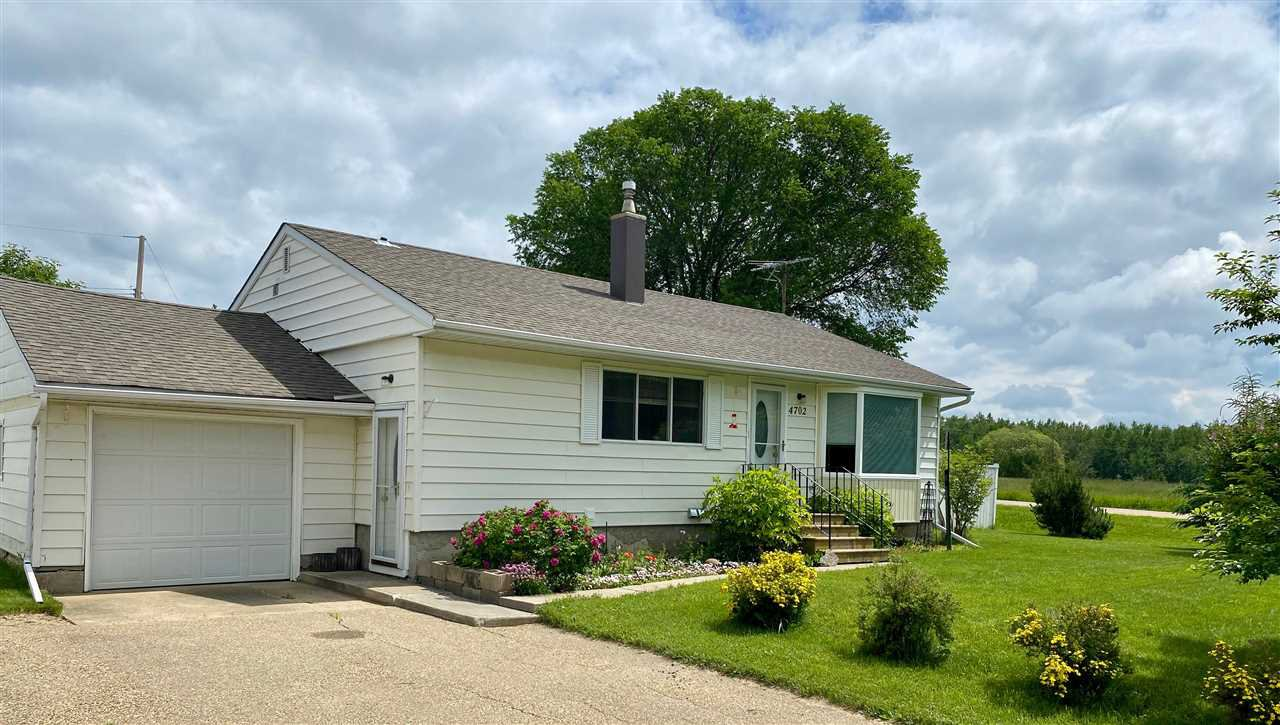 Main Photo: 4702 32 St: Rural Wetaskiwin County House for sale : MLS®# E4204237