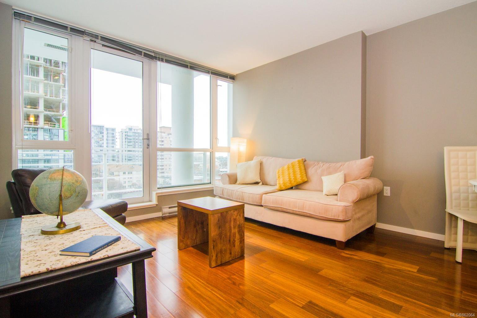 Main Photo: 901 834 Johnson St in : Vi Downtown Condo for sale (Victoria)  : MLS®# 862064