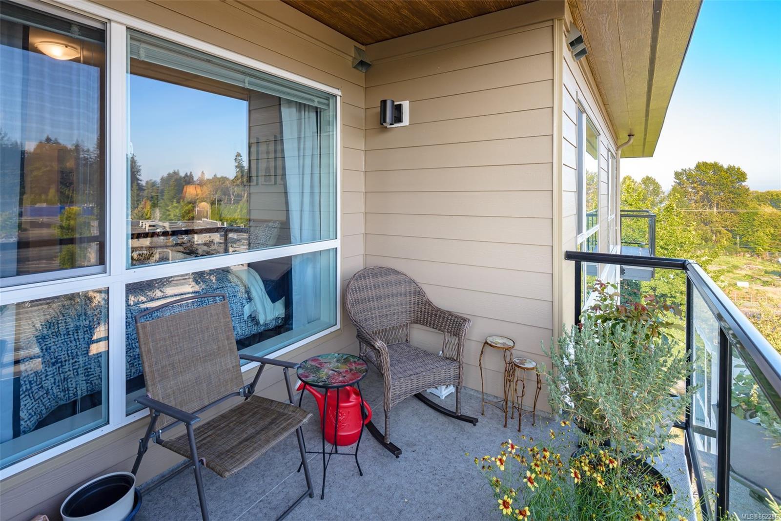 Main Photo: PH7 3070 Kilpatrick Ave in : CV Courtenay City Condo for sale (Comox Valley)  : MLS®# 862286
