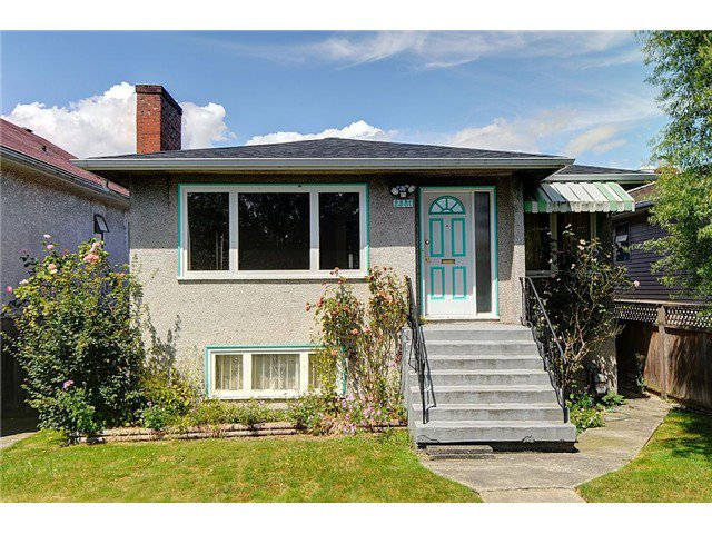 """Main Photo: 2381 E GEORGIA Street in Vancouver: Hastings House for sale in """"GRANDVIEW"""" (Vancouver East)  : MLS®# V1017795"""
