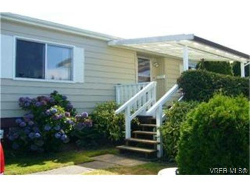 Main Photo:  in VICTORIA: VR Glentana Manufactured Home for sale (View Royal)  : MLS®# 442044