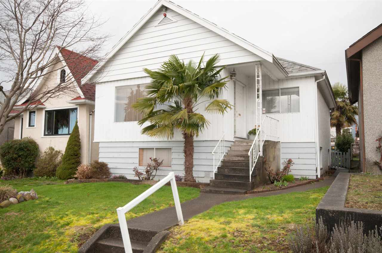 Main Photo: 2579 E GEORGIA STREET in Vancouver: Renfrew VE House for sale (Vancouver East)  : MLS®# R2039837