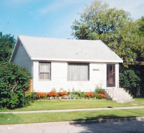 Main Photo: 370 Parkview Street in Winnipeg: St James-Assiniboia Single Family Detached for sale (5e)  : MLS®# 2618199