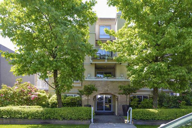 Main Photo: 304 228 E 14th Avenue in : Mount Pleasant VE Condo for sale (Vancouver West)  : MLS®# R2202376