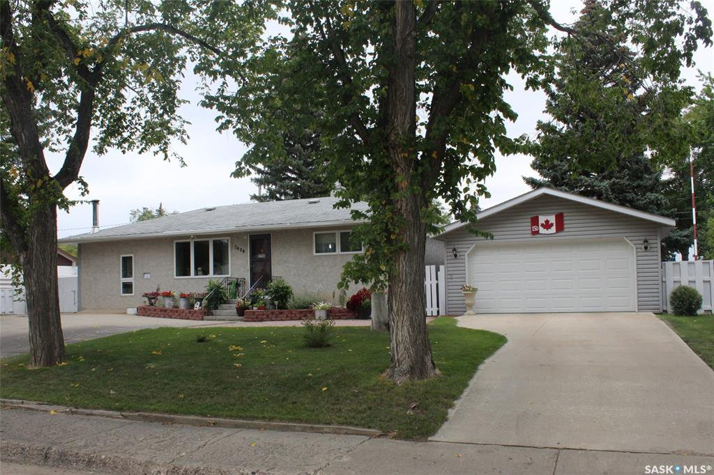 Main Photo: 1438 Nicholson Road in Estevan: Pleasantdale Residential for sale : MLS®# SK785260