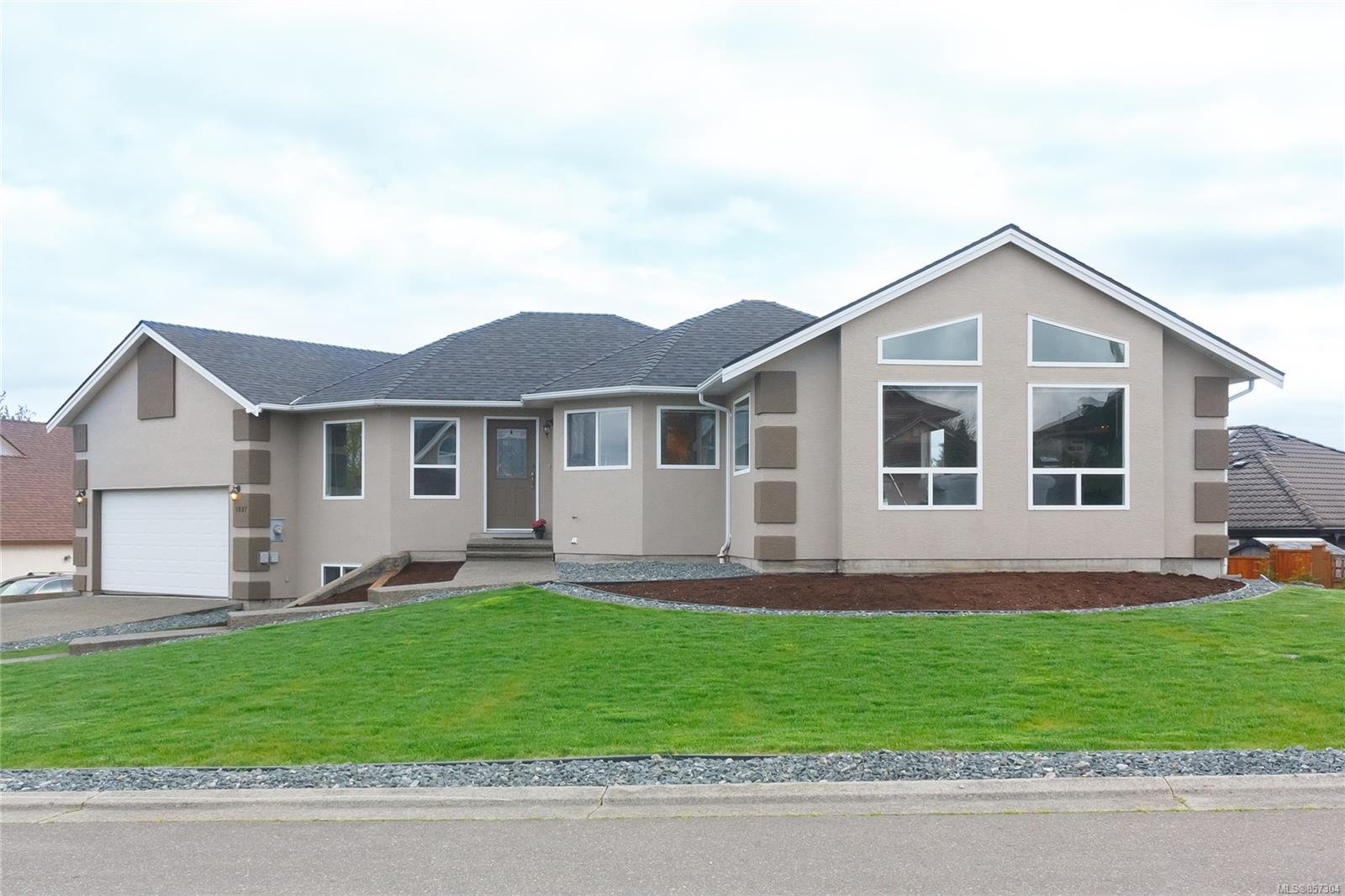 Main Photo: 1097 Aery View Way in : PQ French Creek House for sale (Parksville/Qualicum)  : MLS®# 857304
