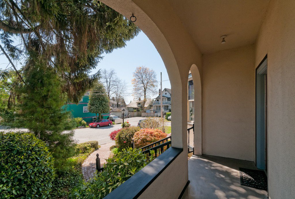 """Photo 6: Photos: 609 BENT CT in New Westminster: Uptown NW House for sale in """"UPTOWN"""" : MLS®# V1005805"""