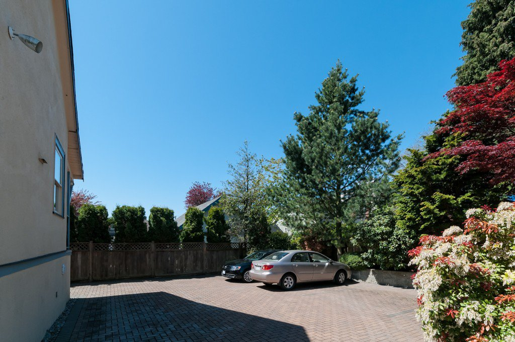 """Photo 3: Photos: 609 BENT CT in New Westminster: Uptown NW House for sale in """"UPTOWN"""" : MLS®# V1005805"""