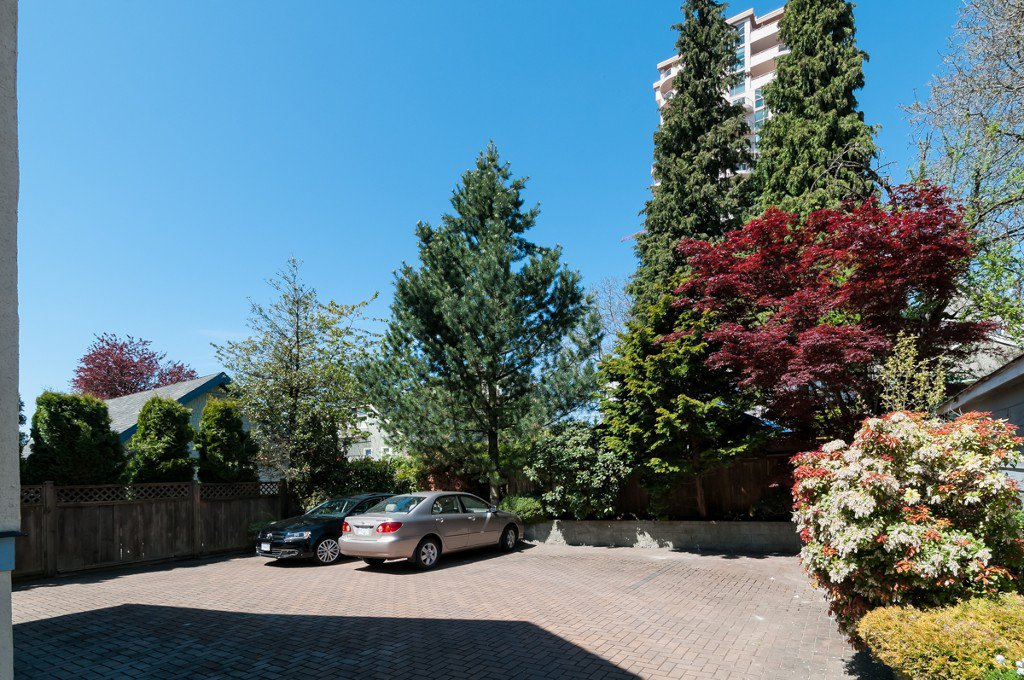 """Photo 4: Photos: 609 BENT CT in New Westminster: Uptown NW House for sale in """"UPTOWN"""" : MLS®# V1005805"""