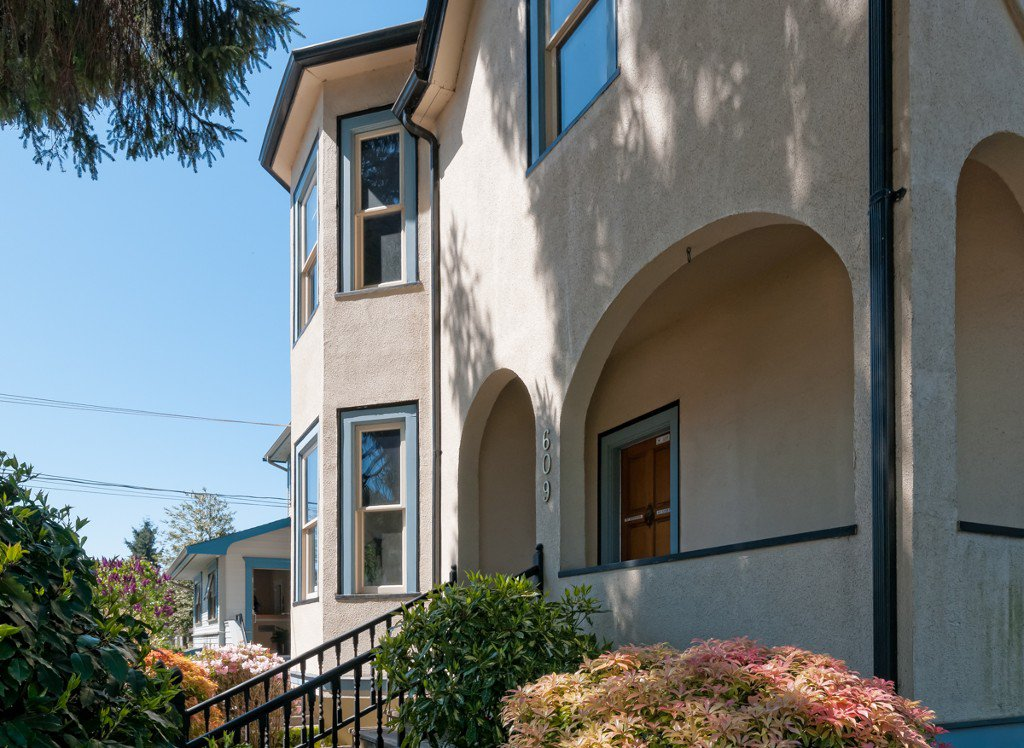 """Photo 5: Photos: 609 BENT CT in New Westminster: Uptown NW House for sale in """"UPTOWN"""" : MLS®# V1005805"""