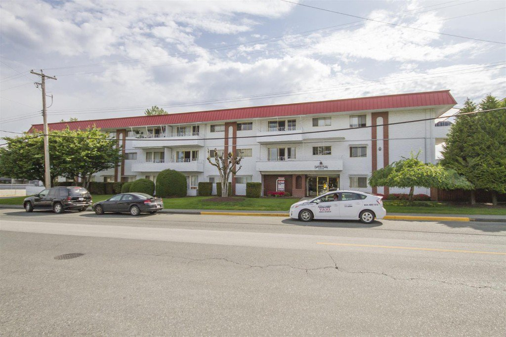 Main Photo: 307-12096 222nd in Maple Ridge: West Central Condo for sale : MLS®# R2065694