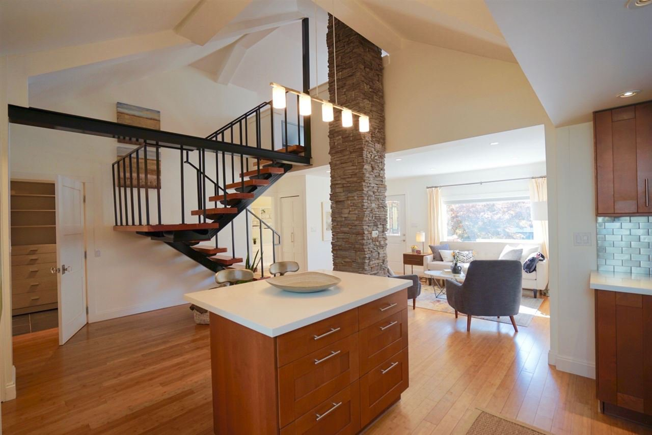 Main Photo:  in North Vancouver: Central Lonsdale House for sale : MLS®# R2309427