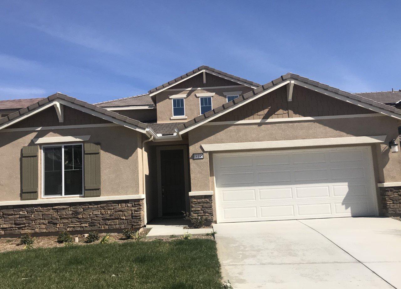 Main Photo: Residential for sale : 4 bedrooms : 18195 Corktree in San Bernardino