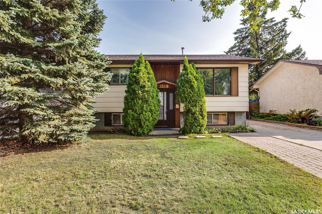 Main Photo: 3518 Parkdale Road in Saskatoon: Wildwood Residential for sale : MLS®# SK779052