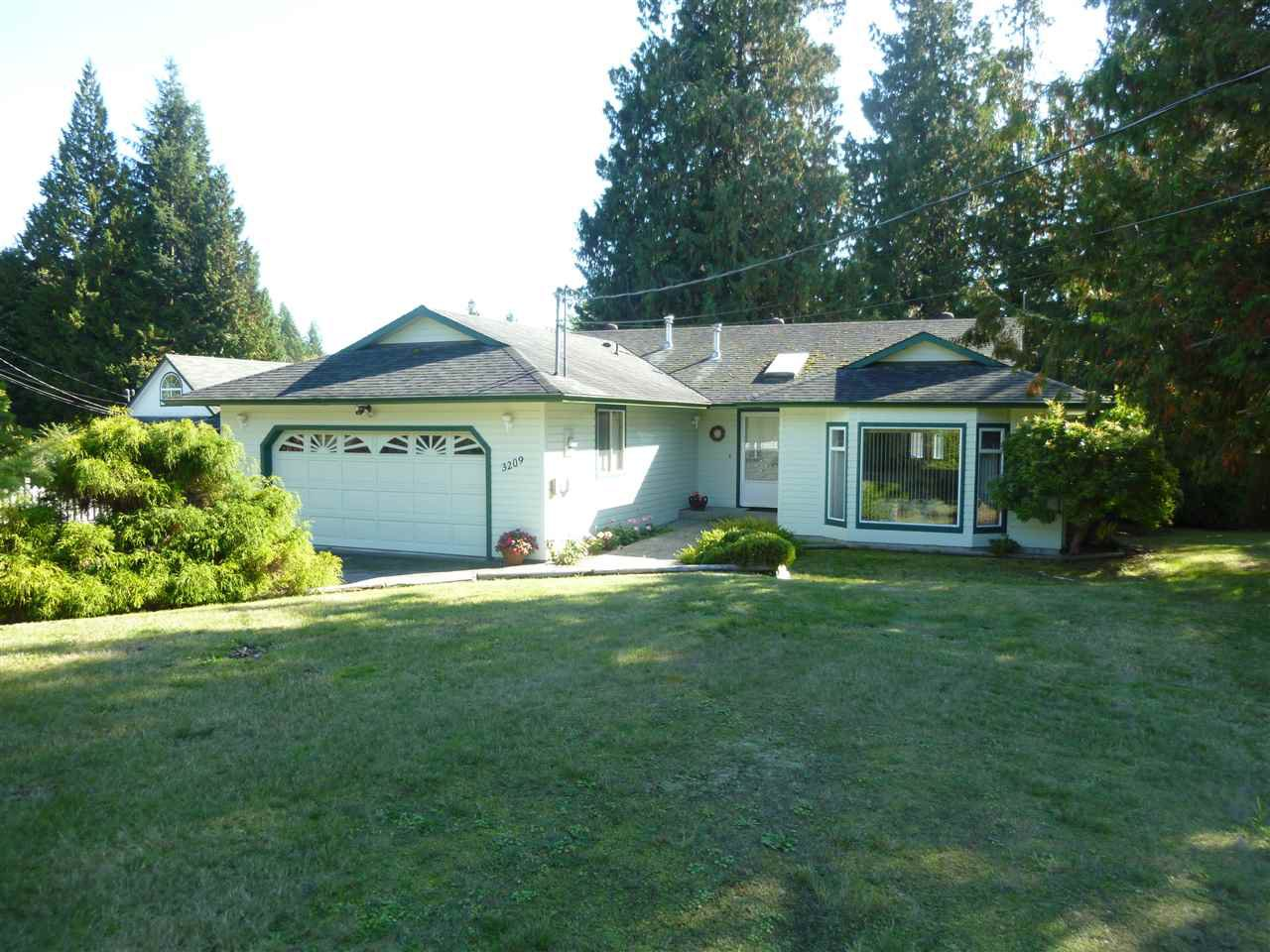 Main Photo: 3209 MOSSY ROCK Road: Roberts Creek House for sale (Sunshine Coast)  : MLS®# R2409142