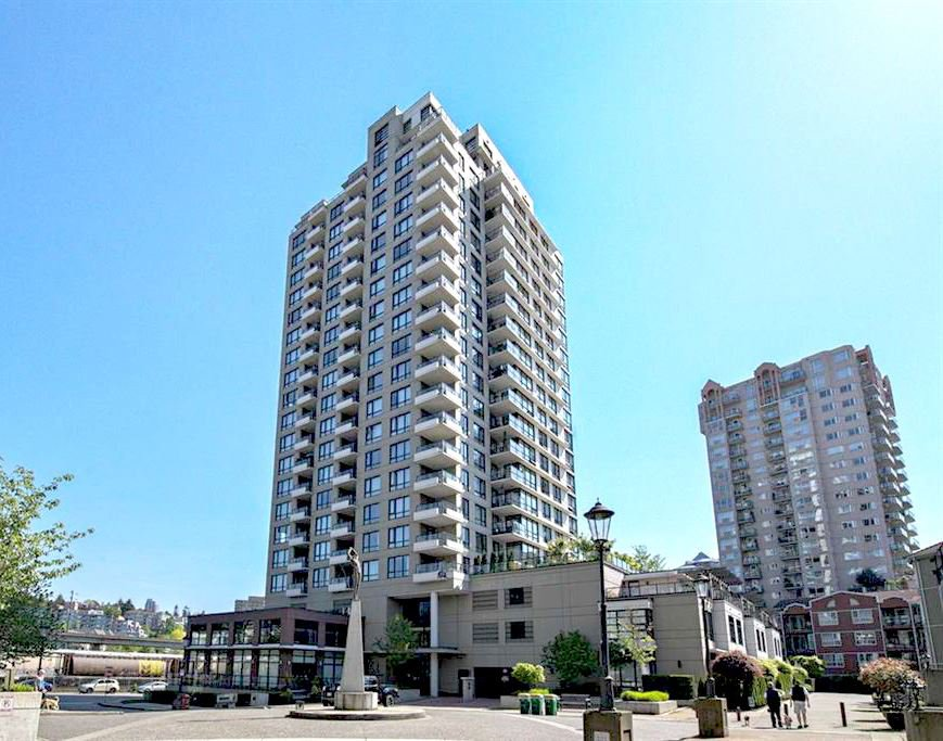Main Photo: 707 1 RENAISSANCE SQUARE in : Quay Condo for sale : MLS®# R2199144