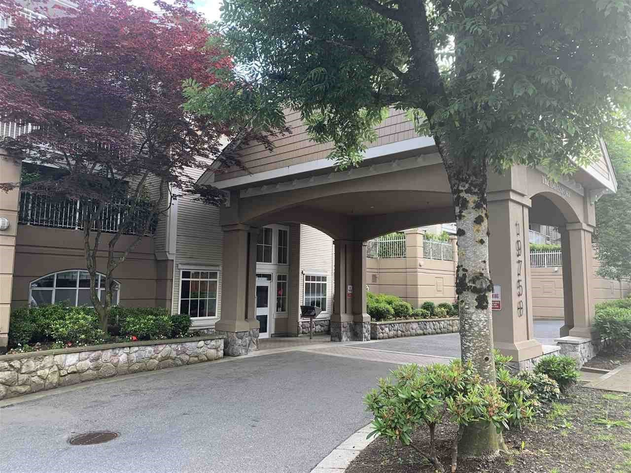 """Main Photo: 207 19750 64 Avenue in Langley: Willoughby Heights Condo for sale in """"THE DAVENPORT"""" : MLS®# R2457429"""