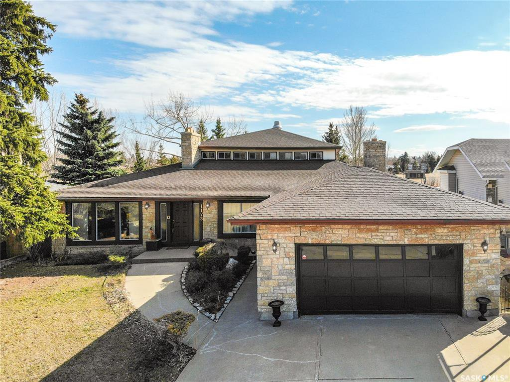 Main Photo: 1173 Normandy Drive in Moose Jaw: VLA/Sunningdale Residential for sale : MLS®# SK810381