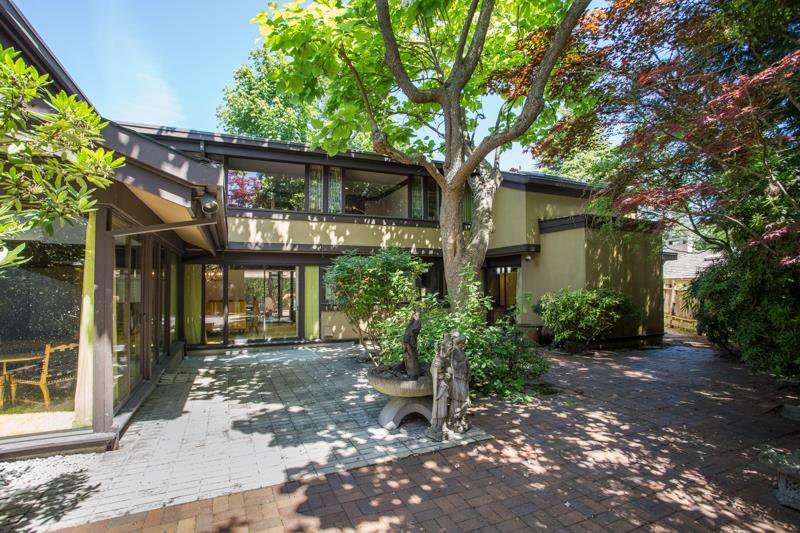 Main Photo: 621 W 51ST Avenue in Vancouver: South Cambie House for sale (Vancouver West)  : MLS®# R2481619
