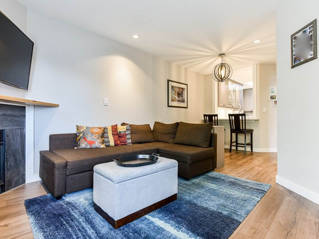 """Main Photo: 404 509 CARNARVON Street in New Westminster: Downtown NW Condo for sale in """"HILLSIDE PLACE"""" : MLS®# R2507669"""