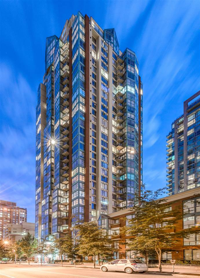 """Main Photo: 910 939 HOMER Street in Vancouver: Yaletown Condo for sale in """"THE PINNACLE"""" (Vancouver West)  : MLS®# R2512936"""