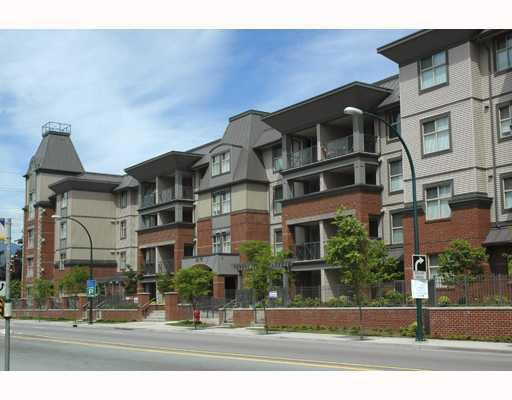 Main Photo: 303 2478 Shaughnessy St in Shaughnessy East: Home for sale : MLS®# V680116