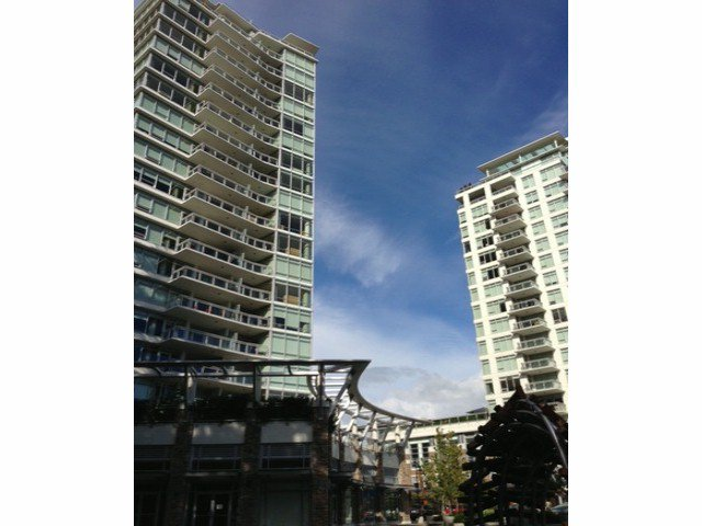 Main Photo: # 404 15152 RUSSELL AV: White Rock Condo for sale (South Surrey White Rock)  : MLS®# F1412237