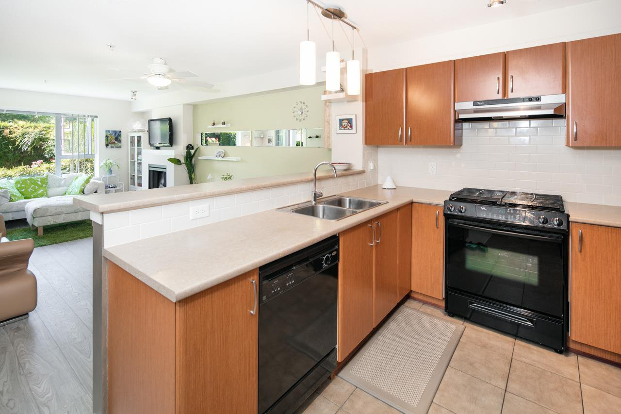 Photo 7: Photos: 103 4783 DAWSON STREET in Burnaby: Brentwood Park Condo for sale (Burnaby North)  : MLS®# R2100540