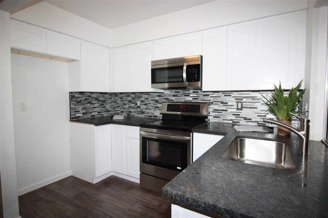 Main Photo: Condo for sale : 1 bedrooms : 8023 Caminito De Pizza in San Diego