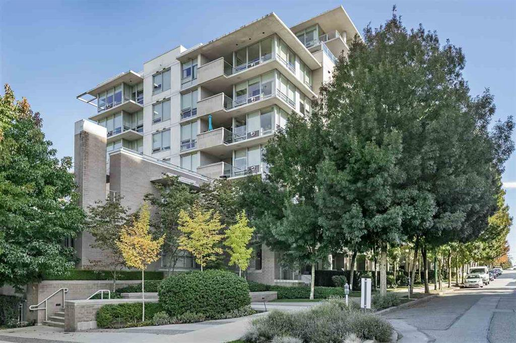 Main Photo: PH1002 1675 8th Avenue in Vancouver: Fairview VW Condo for sale (Vancouver West)  : MLS®# r2314466