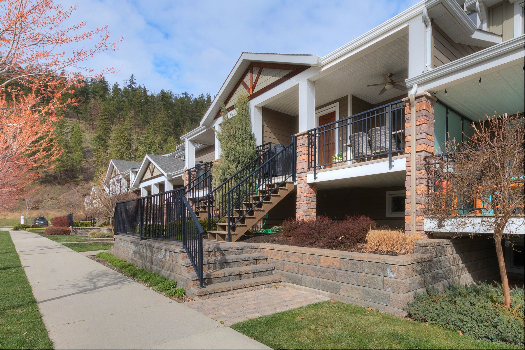 Main Photo: 9 600 Boynton Place in Kelowna: Glenmore House for sale (Central Okanagan)  : MLS®# 10180250