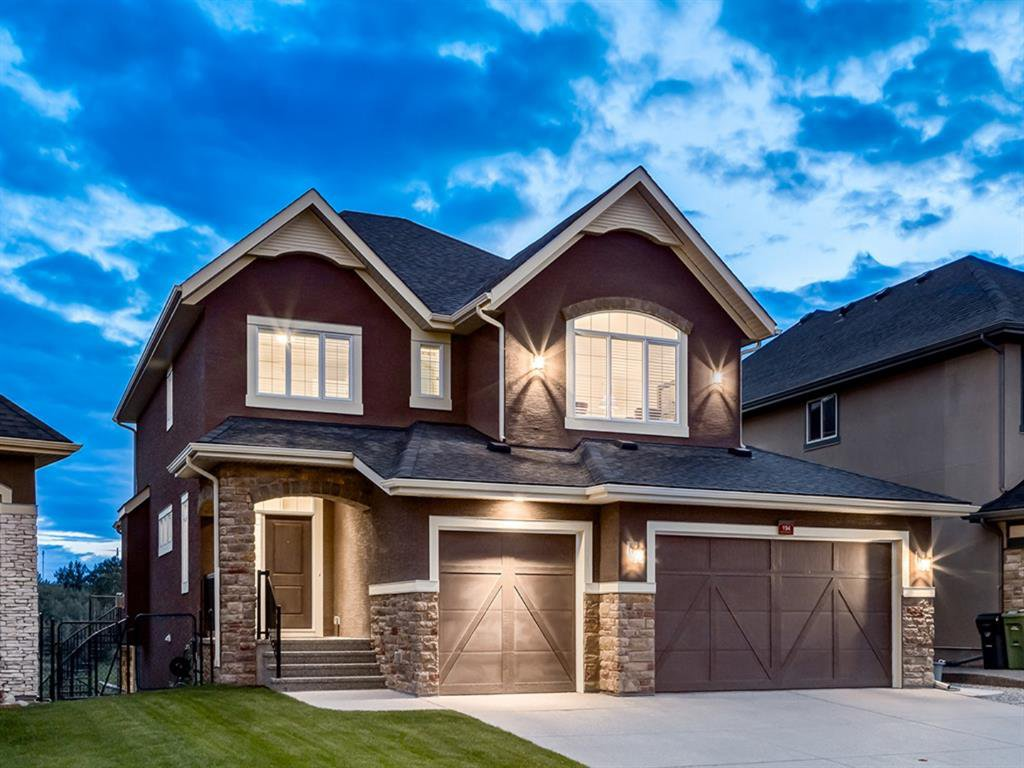 Main Photo: 194 VALLEY POINTE Way NW in Calgary: Valley Ridge Detached for sale : MLS®# A1011766