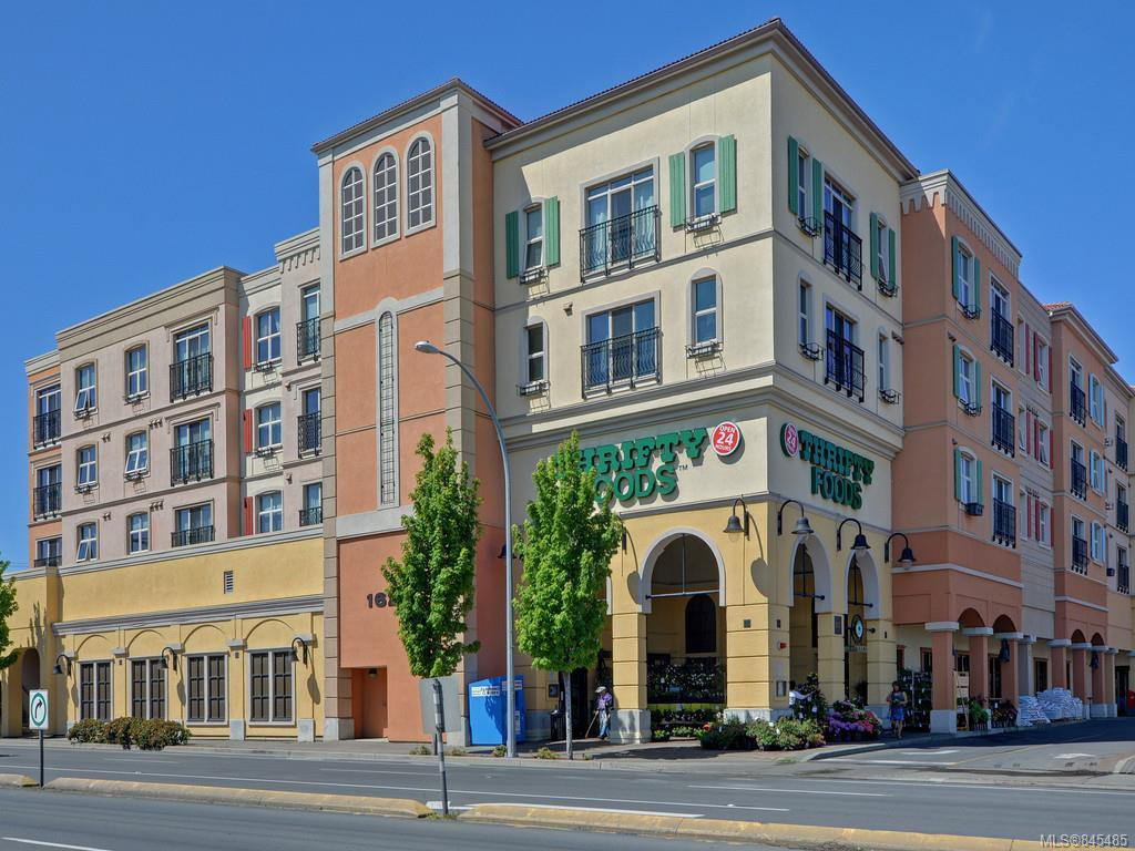 Main Photo: 307 1620 McKenzie Ave in : SE Gordon Head Condo Apartment for sale (Saanich East)  : MLS®# 845485