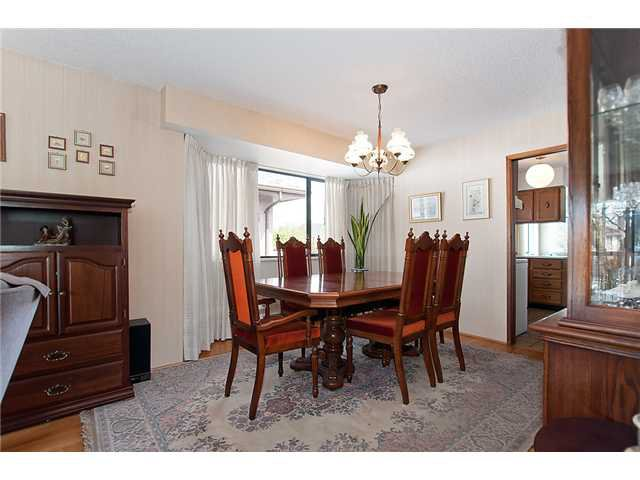 Photo 5: Photos: 4088 WELWYN ST in Vancouver: Victoria VE House for sale (Vancouver East)  : MLS®# V1004254