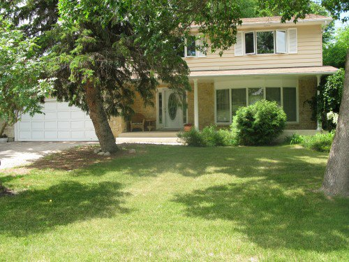 Main Photo: 109 Linacre Road in Winnipeg: Fort Richmond Single Family Detached for sale (South Winnipeg)  : MLS®# 1425469