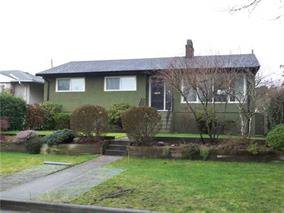 Main Photo: 3745 Victory Street in Burnaby: House for sale : MLS®# V1120674