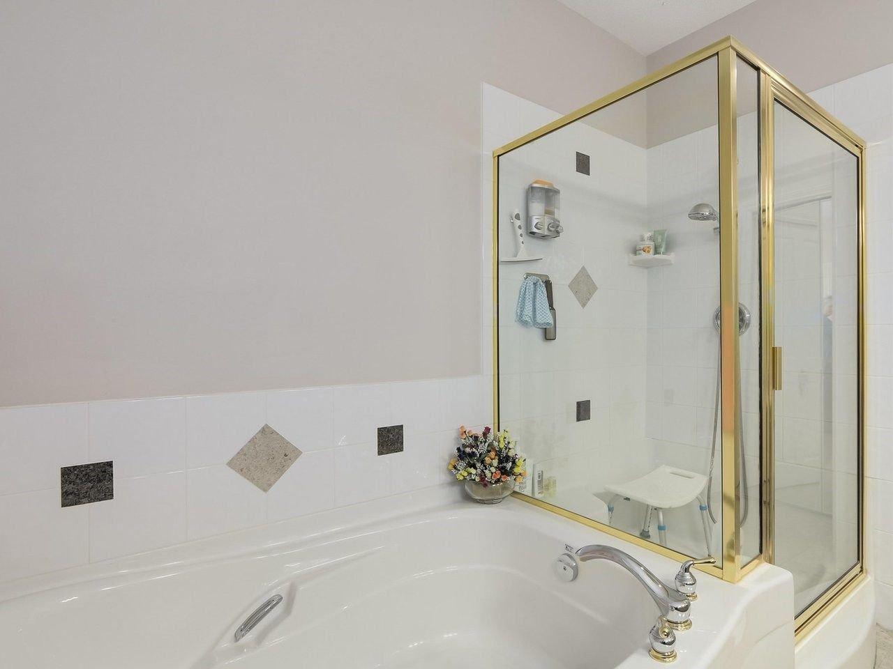 Photo 13: Photos: 303 3280 PLATEAU BOULEVARD in Coquitlam: Westwood Plateau Condo for sale : MLS®# R2275918