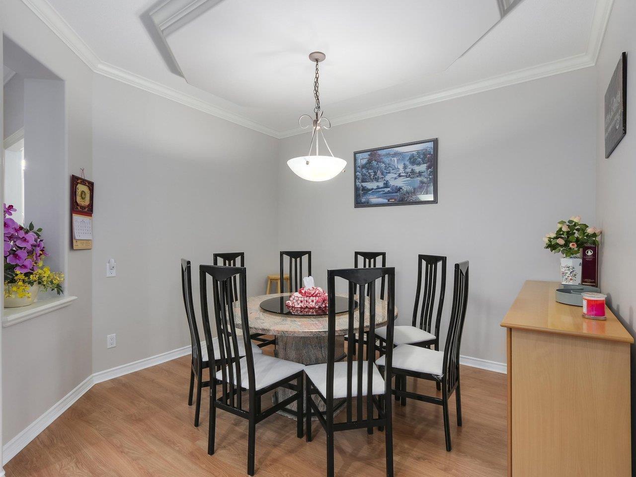 Photo 6: Photos: 303 3280 PLATEAU BOULEVARD in Coquitlam: Westwood Plateau Condo for sale : MLS®# R2275918