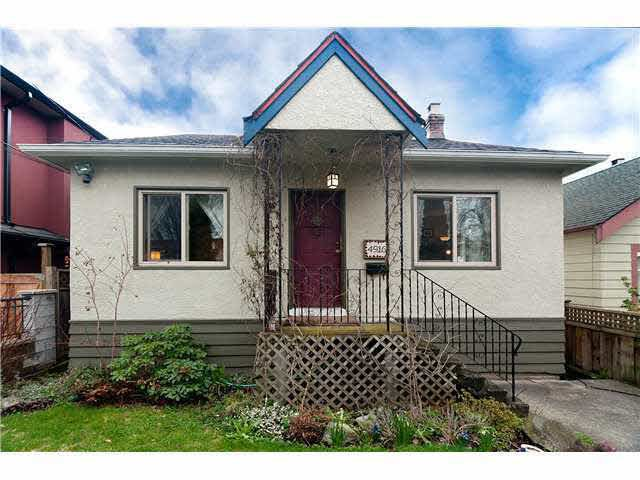 Main Photo: 4916 CHATHAM STREET in : Collingwood VE House for sale : MLS®# V879544