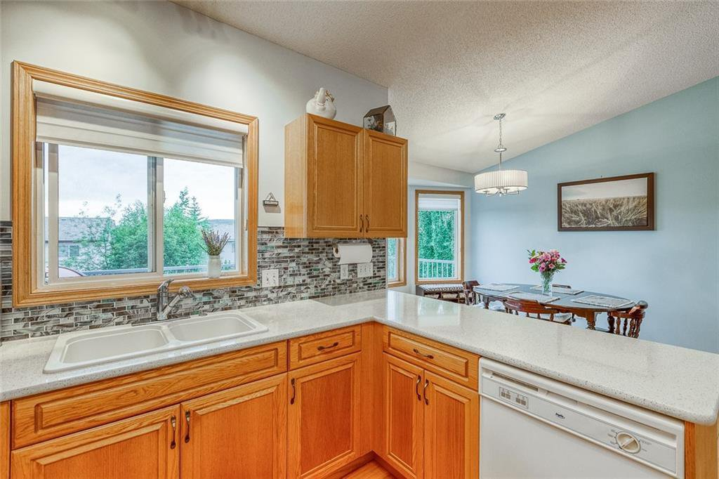 Photo 15: Photos: 14 BOW RIDGE Road: Cochrane Detached for sale : MLS®# C4305231