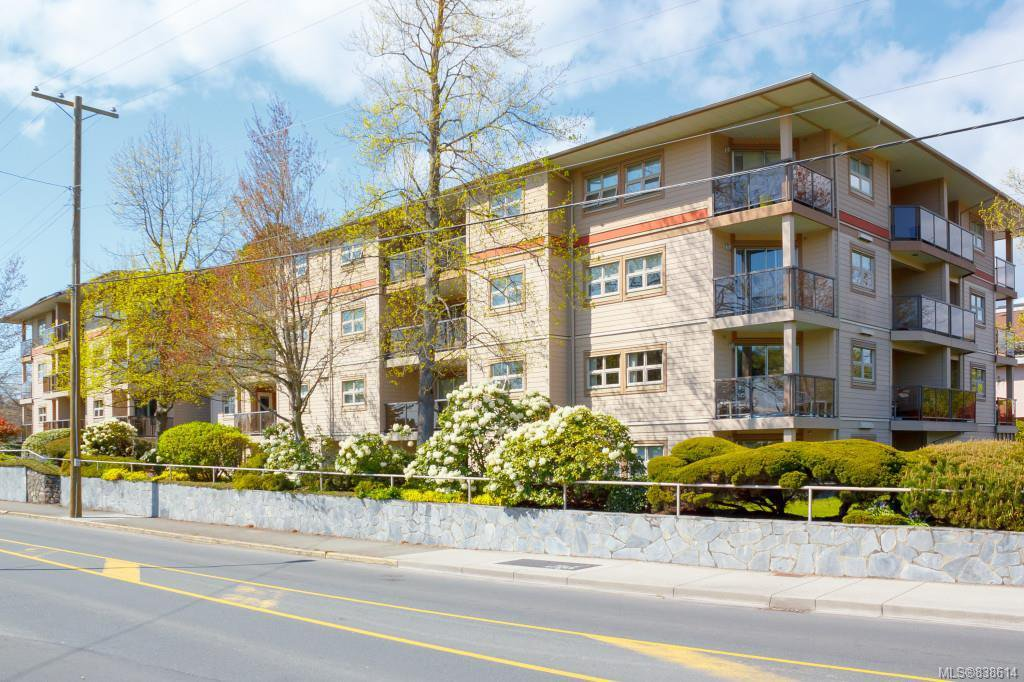 Main Photo: 204 1694 Cedar Hill Cross Rd in Saanich: SE Mt Tolmie Condo for sale (Saanich East)  : MLS®# 838614