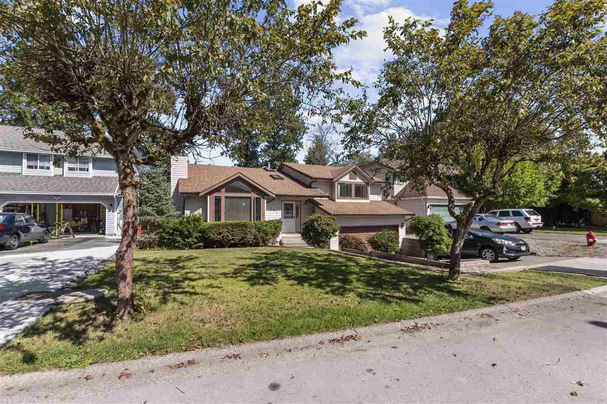 Main Photo: 7908 143A Street in Surrey: East Newton House for sale : MLS®# R2494343