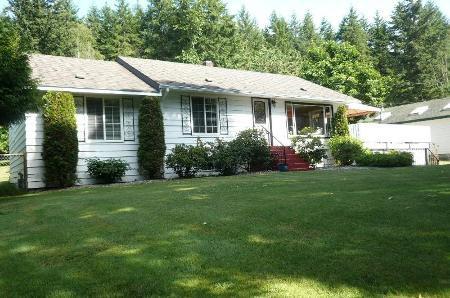 Main Photo: Family Home On Gorgeous Parklike 0.8 Acres