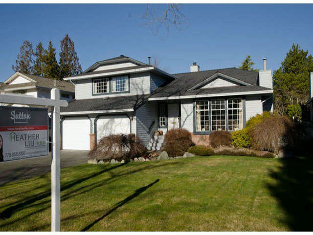 Main Photo: 14427 18 Avenue in Surrey: House for sale : MLS®# F1402388