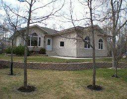 Main Photo: 31 Hyde Drive in Tyndall: Single Family Detached  (Winnipeg area)