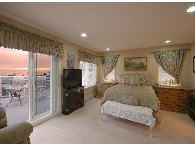 Photo 6: Photos: 15441 ROYAL AV: White Rock House for sale (South Surrey White Rock)  : MLS®# F1426178